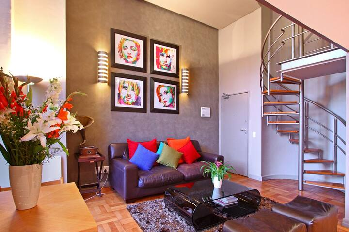 Cape Loft colourful lounge