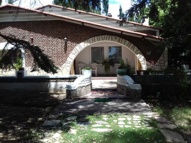 """Casa de campo sobre ruta 22- """"Brisas del Limay"""""""