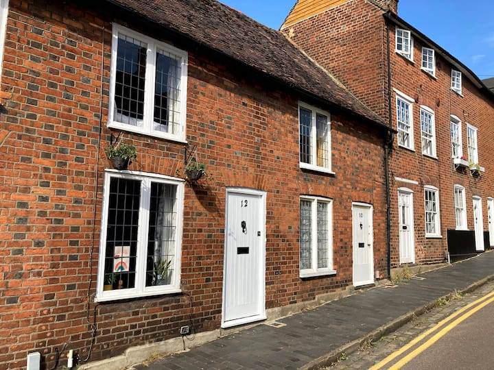 Lovely cottage in the heart of St Albans
