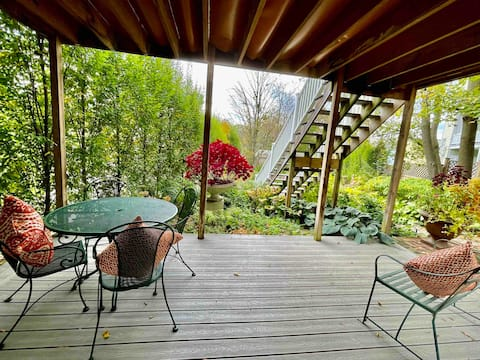 The Garden Flat -Central Hudson One bedroom apt