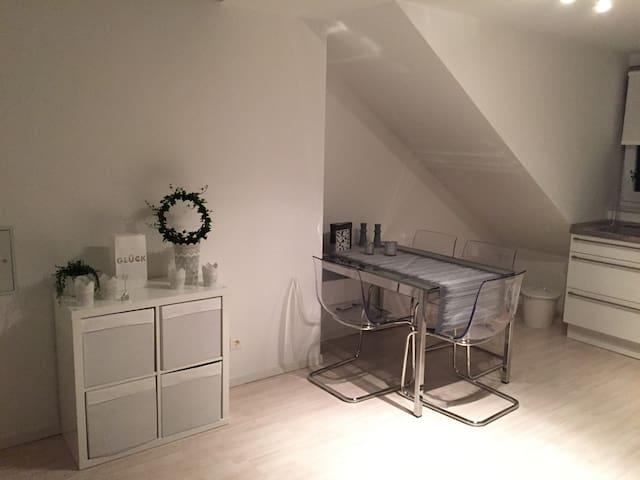 Helle und liebevoll eingerichtete Wohnung - Langenhagen - Pis
