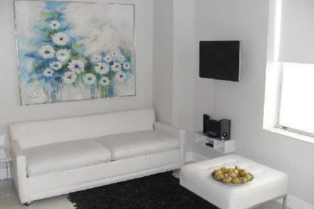 RENOVATED ART DECO APARTMENT IN SOUTH BEACH - Miami Beach - Wohnung