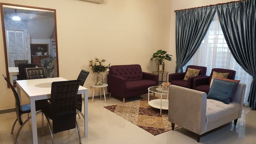 Putrajaya/Cyberjaya/Puchong Private & Comfy Room