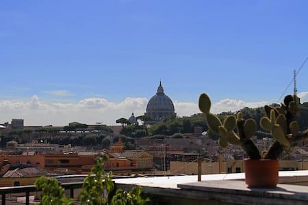 Superattico con magnifiche terrazze vicino alla Metropolitana e al Vaticano
