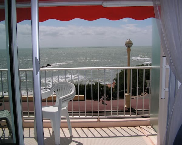 Vue splendide, balcon face mer, Wifi, parking, 3* - Les Sables-d'Olonne - Pis