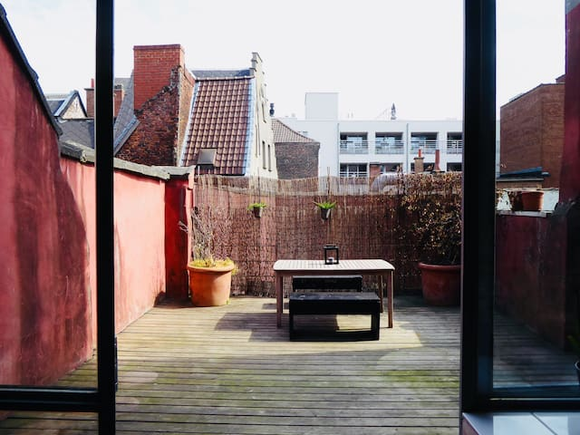 Spacious duplex apartment in Ghent. Top location!