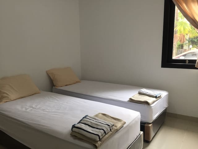 Room 3 with 2 unit of single bed