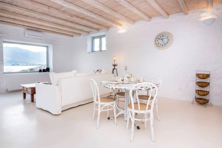 White Private Suite 1