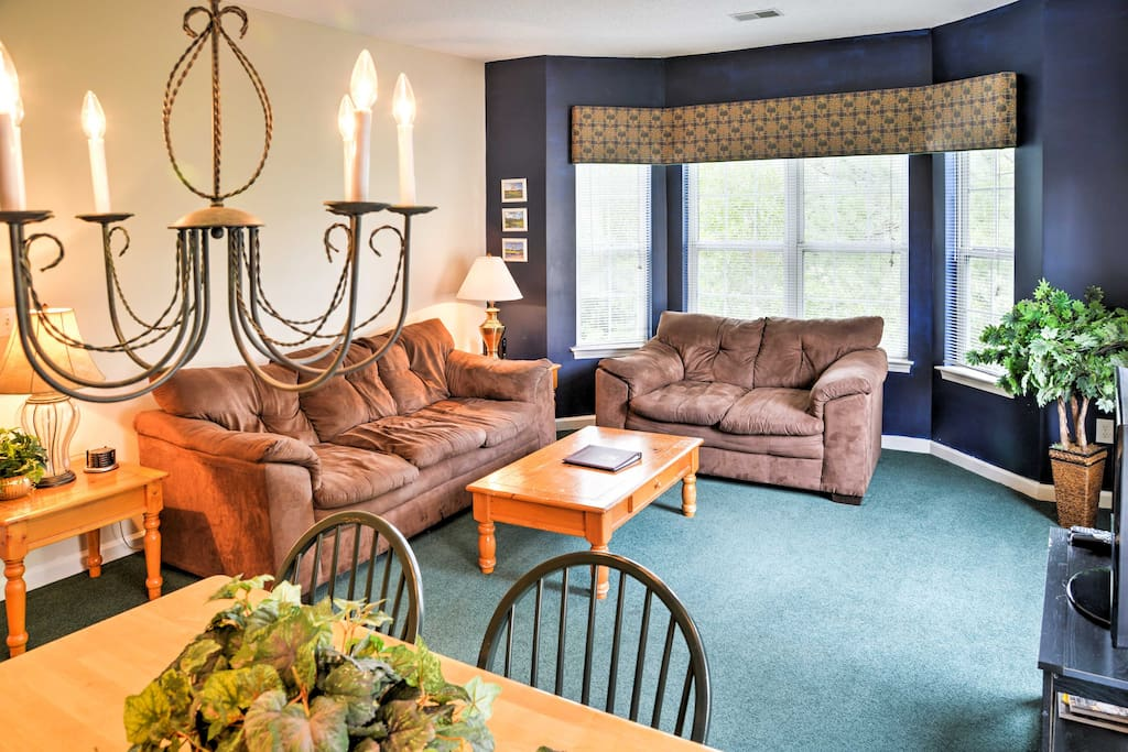 This bright unit offers 1,100-square-feet of comfort, access to resort-style amenities and accommodations for 8 guests for your ideal beach vacation