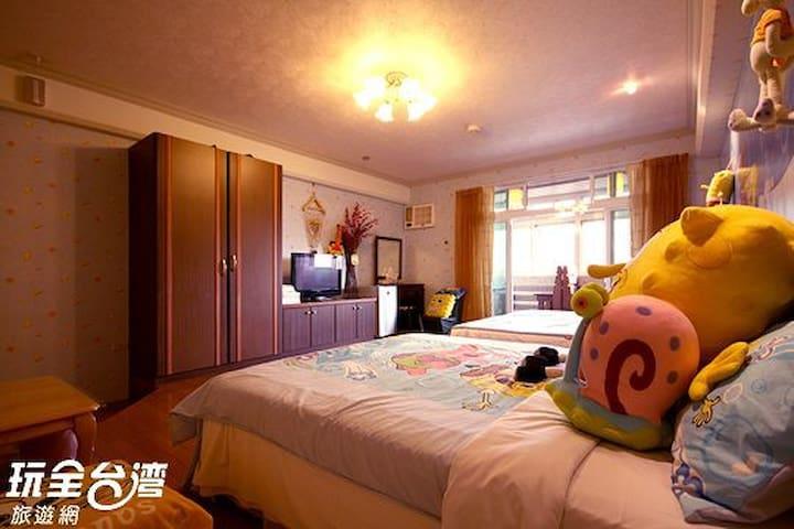 316海綿寶貝~櫻花鐵道景觀套房(標準六人房) - Jiji Township - Pis