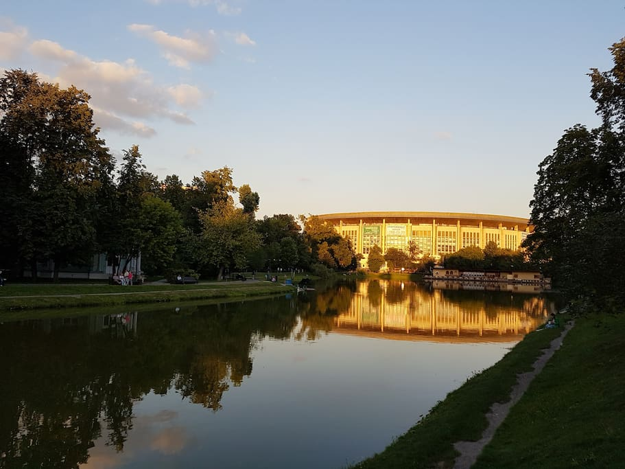 5 minutes walk from Yekaterina's Park, good for morning/evening 5/10K