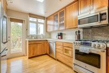 3BR Home in Bernal Heights with Yard