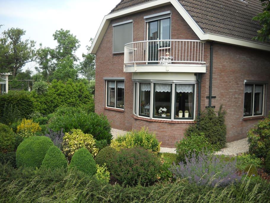 Fijn woonhuis, gelegen langs het riviertje De Vlist, in een  prachtige omgeving om te wandelen en te fietsen