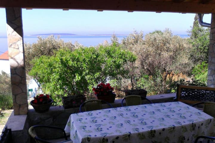 Three bedroom house with terrace and sea view Miholašćica, Cres (K-8073)