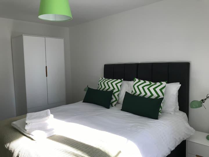 Anstey Heights - Modern Apartment - No 10