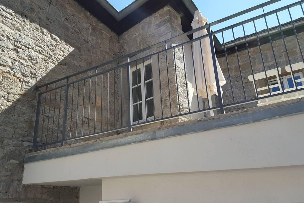 Die Terrasse (25 qm), Ansicht von unten