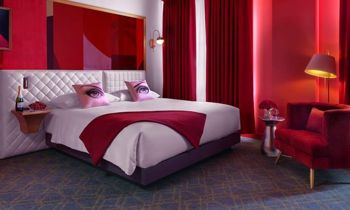 Angad Arts Hotel, 2 Bedroom Grand King Suite