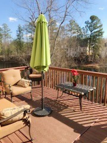 Lakeside Home w/ 2 Private bdrms - High Point - Hus
