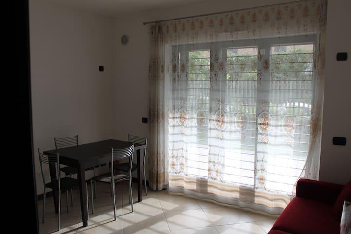 Appartamento discreto e accogliente - Roma - Daire