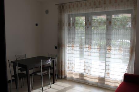Appartamento discreto e accogliente - Рим - Квартира