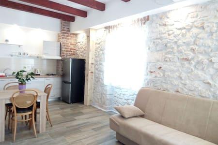 4#GAMIRA stone house - Zadar - Lägenhet