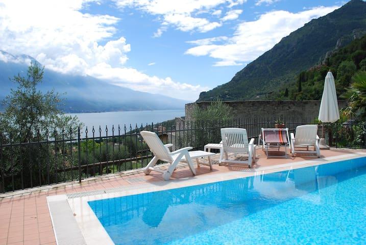 Double standard room in villa - Limone Sul Garda - Oda + Kahvaltı