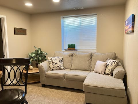 PRIVATE STAY! FULL DOWNSTAIR APARTMENT!