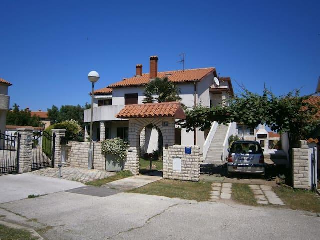 Apartments Maya - Banjole - Apartment