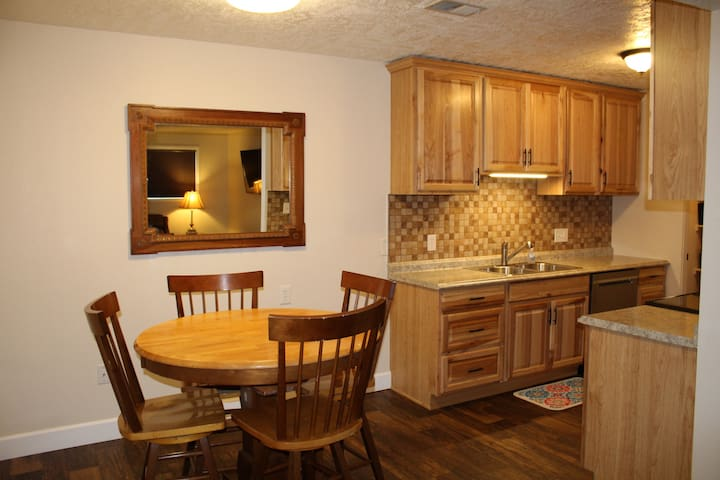 Month to Month Corporate Rental near University