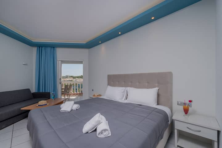 Callinica hotel/one bedroom apartment