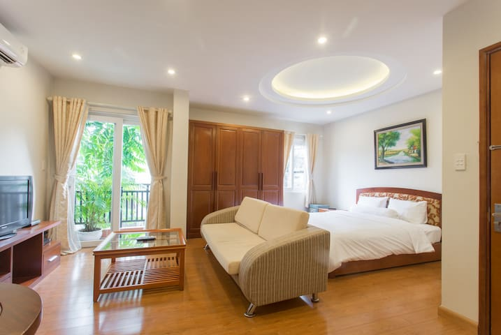 D301 Spacious Corner Palmo2 Serviced Apartment