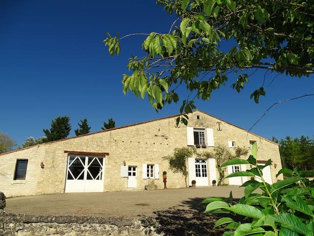 Gîte La Sellerie, dans un très bel environnement ! - Saint-Sernin - Ev