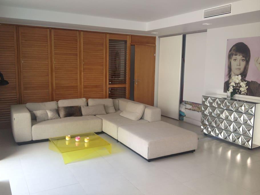 Appartement 105 m2 proche palais appartements louer for Appartement design cannes