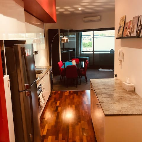 Loft style Apartment few minutes away from CBD