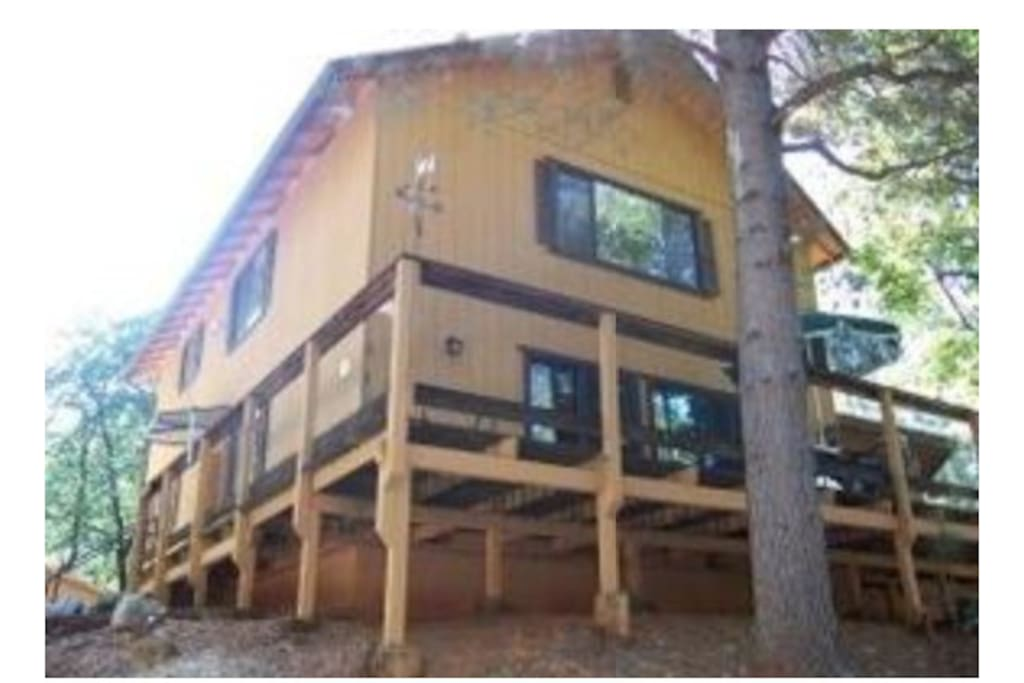 Ch teau sachse at shasta lake cabins for rent in for Mount shasta cabins for rent