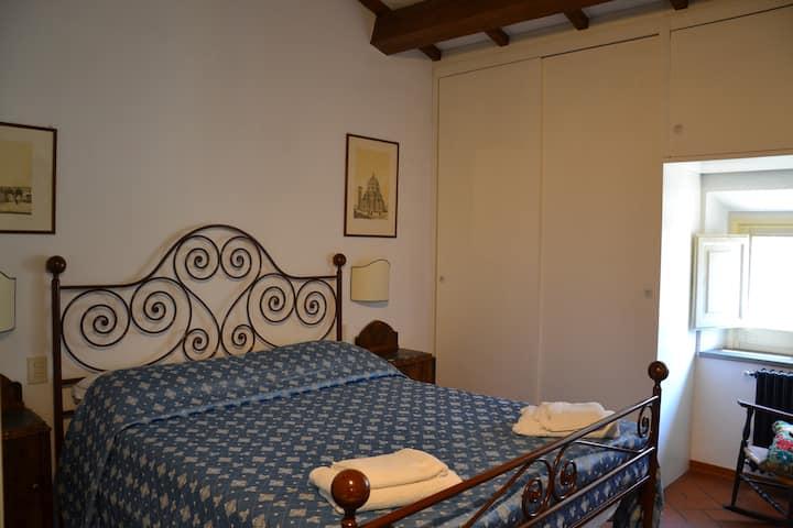 Camera privata in elegante appartamento condiviso