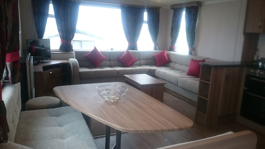 2016 Static Caravan For Rent with sea views