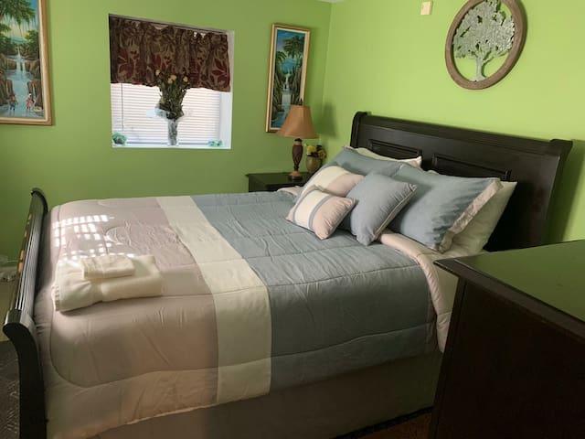 Oasis in Huntington/Basement apartment