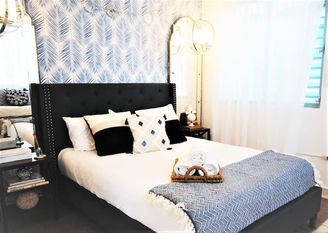 Casper Bed queen bed