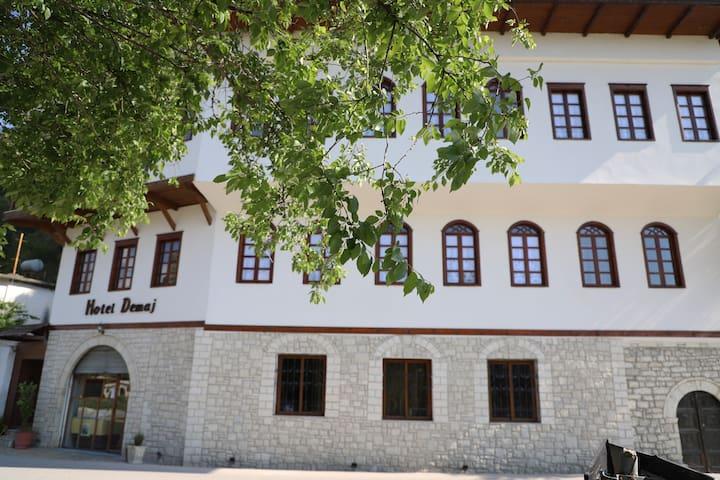Demaj Hotel 6