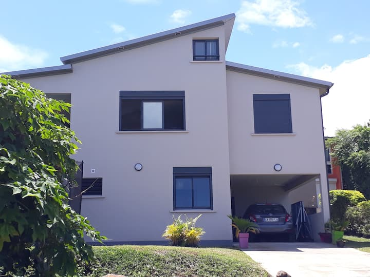 Sud de la Réunion. Chambre privée dans maison