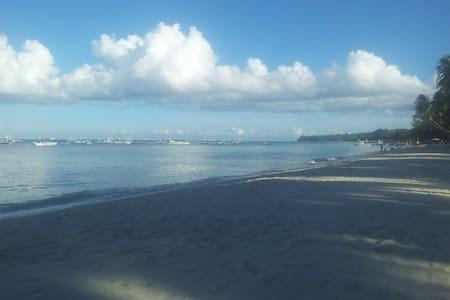 Apt White Beach Boracay, CeleSte 1