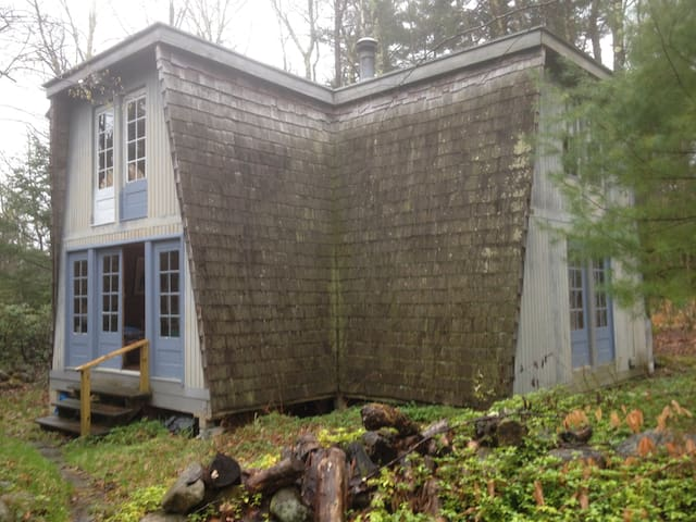 Lakefront Cottage - Tolland - Cabin