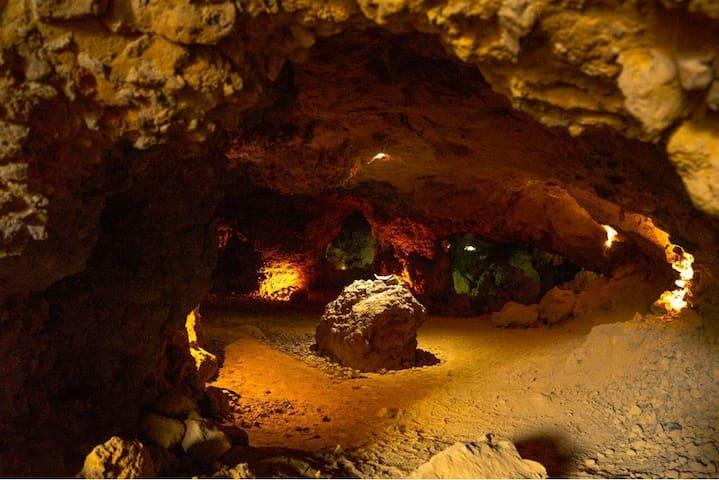 CAVE CAMPING  TEOTIHUACAN Campismo en Cueva