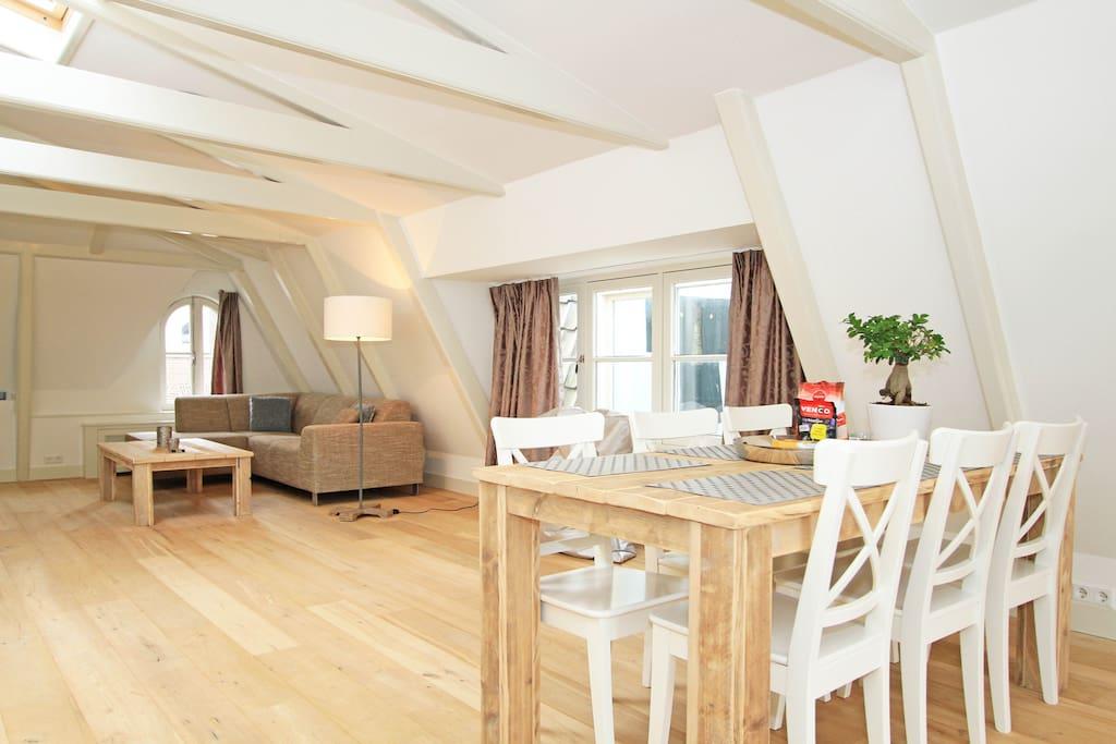 W 100 m2 split level loft jordaan apartment d for Appartamenti amsterdam jordaan