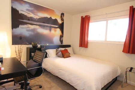 The Shala - Sunset Room