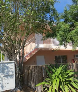 Affordable 1 BR Beach Side Condo Getaway - Cape Canaveral - Flat