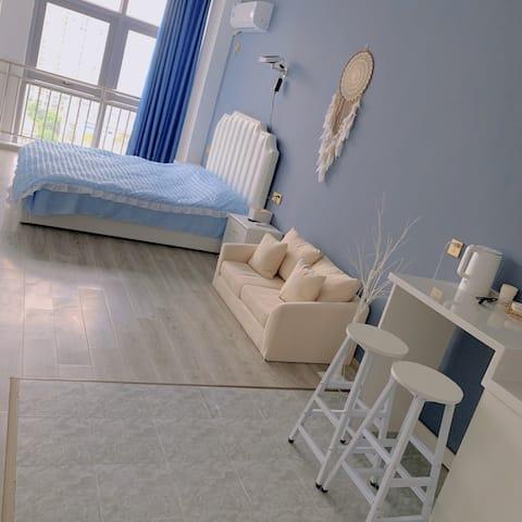 森系蓝色投影大床房