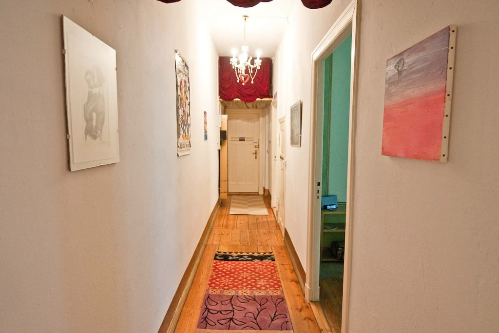 Welcome!  Altbau entry hallway