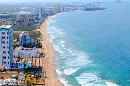 Beach front condo in Mazatlán. - Mazatlán - Apartament